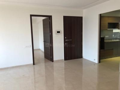 Gallery Cover Image of 2000 Sq.ft 3 BHK Apartment for rent in Khar West for 185000