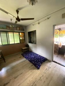 Gallery Cover Image of 1000 Sq.ft 2 BHK Apartment for rent in Atur Park Shiv Parvati, Chembur for 50000