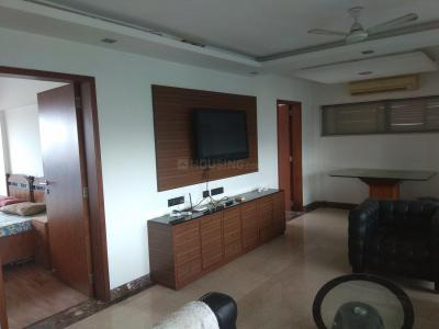 Gallery Cover Image of 1300 Sq.ft 2 BHK Apartment for rent in Bandra East for 75000