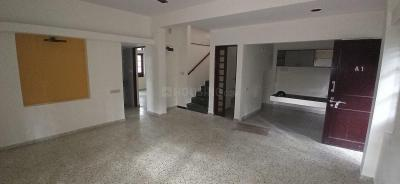 Gallery Cover Image of 1950 Sq.ft 3 BHK Apartment for rent in Casa Lavelle Apartment, Ashok Nagar for 52000