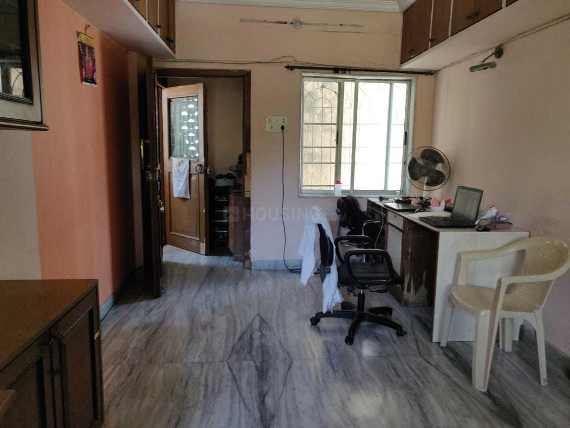 Living Room Image of 990 Sq.ft 3 BHK Apartment for rent in Bandra East for 89000