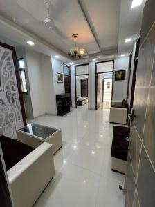 Gallery Cover Image of 1060 Sq.ft 3 BHK Independent Floor for buy in Redsquare Homes, Sector 105 for 3000100