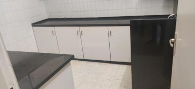 Gallery Cover Image of 680 Sq.ft 1 BHK Apartment for rent in Colaba for 55000