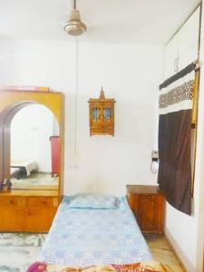 Bedroom Image of Girls PG in Navrangpura