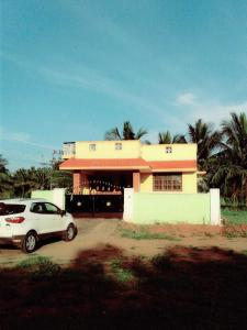 Gallery Cover Image of 1400 Sq.ft 2 BHK Independent House for buy in Pannimadai for 3200000