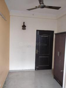 Gallery Cover Image of 1700 Sq.ft 3 BHK Apartment for rent in Crossings Republik for 10000