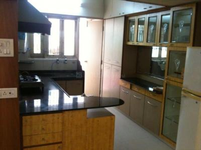 Gallery Cover Image of 1200 Sq.ft 2 BHK Apartment for rent in Thaltej for 30000