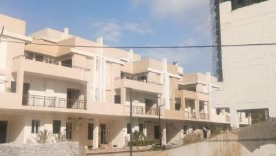 Gallery Cover Image of 3085 Sq.ft 4 BHK Villa for buy in Ajnara London Square, Yeida for 12000000