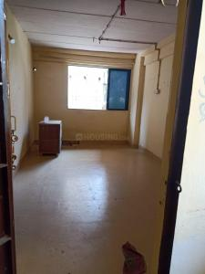Gallery Cover Image of 380 Sq.ft 1 RK Apartment for rent in Chatrapati Shivaji Raje Complex, Kandivali West for 10000