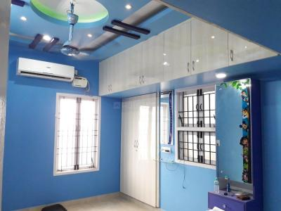 Gallery Cover Image of 1100 Sq.ft 2 BHK Apartment for rent in Velachery for 20000