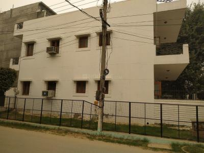 Gallery Cover Image of 1500 Sq.ft 2 BHK Villa for rent in Sector 23 for 23000