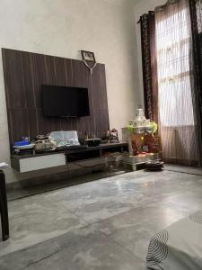Gallery Cover Image of 1000 Sq.ft 3 BHK Independent Floor for buy in Sector 49 for 3500000
