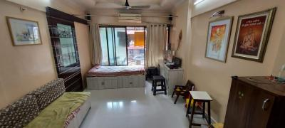 Gallery Cover Image of 600 Sq.ft 1 BHK Apartment for rent in Pleasant Park CHS, Dahisar West for 20000