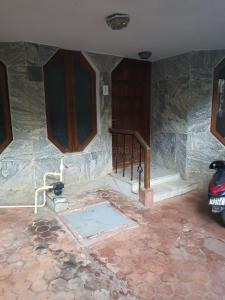 Gallery Cover Image of 4000 Sq.ft 6 BHK Villa for buy in Koramangala for 32000000