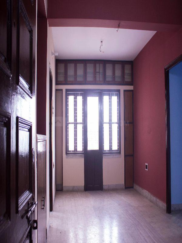 Living Room Image of 1100 Sq.ft 3 BHK Apartment for rent in South Dum Dum for 14000