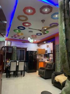 Gallery Cover Image of 1440 Sq.ft 3 BHK Apartment for buy in Manasa Apartment, Vanasthalipuram for 8500000