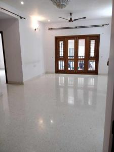 Gallery Cover Image of 1550 Sq.ft 3 BHK Apartment for rent in Cooke Town for 37000