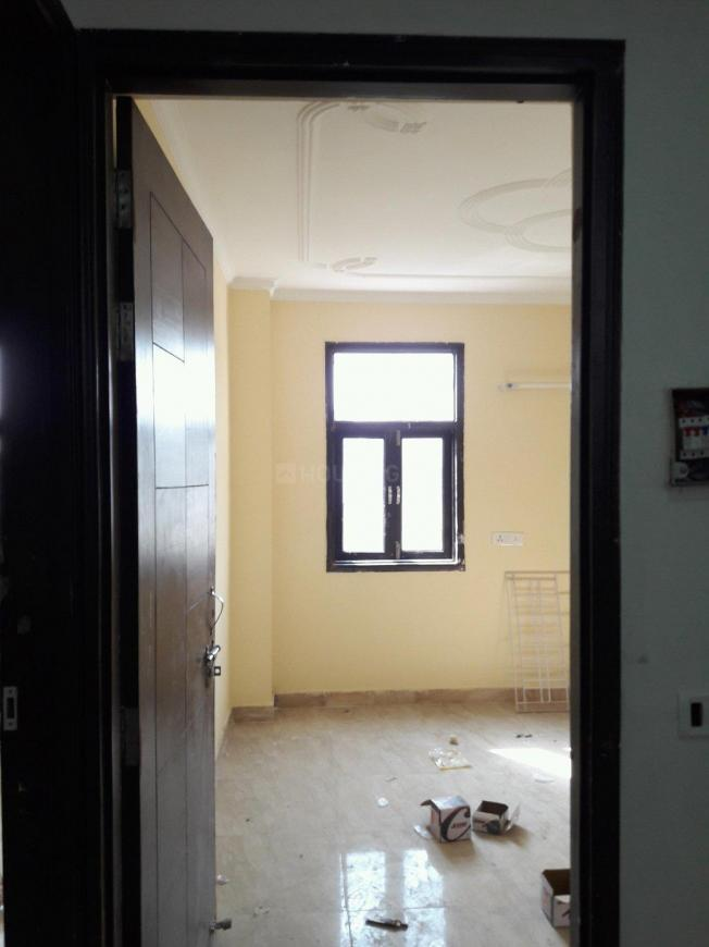 Main Entrance Image of 300 Sq.ft 1 RK Apartment for buy in Sultanpur for 1200000