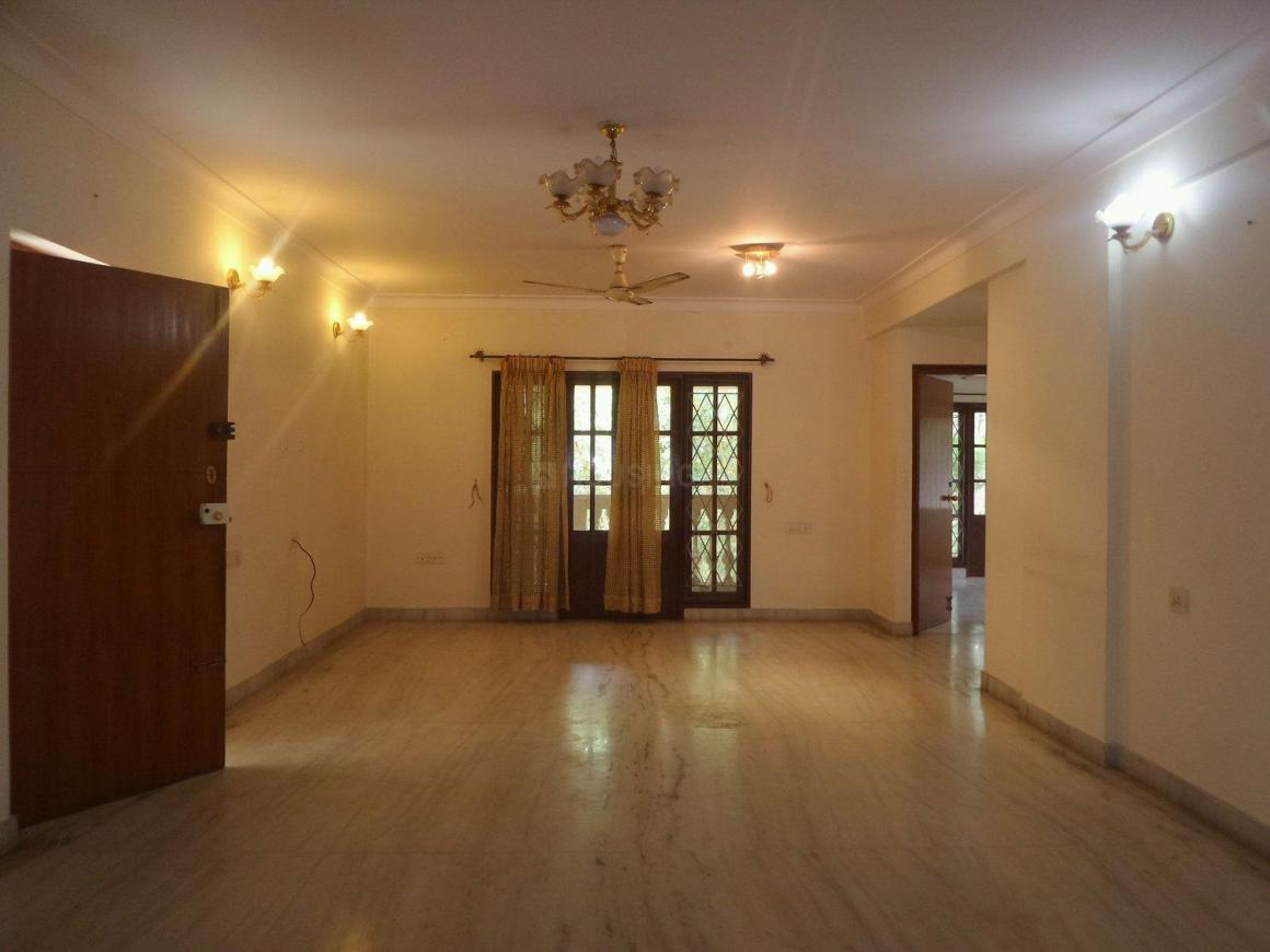 Living Room Image of 2200 Sq.ft 3 BHK Apartment for buy in Richmond Town for 27000000