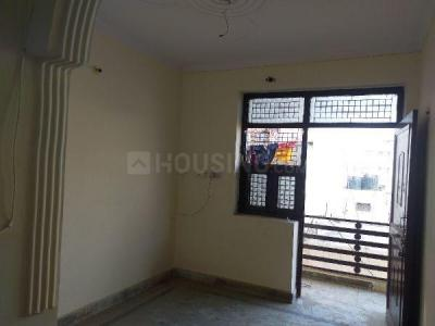 Gallery Cover Image of 450 Sq.ft 1 BHK Independent Floor for rent in Dwarka Mor for 7000