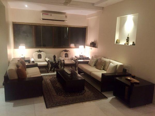 Living Room Image of 1250 Sq.ft 2 BHK Apartment for rent in Juhu for 120000