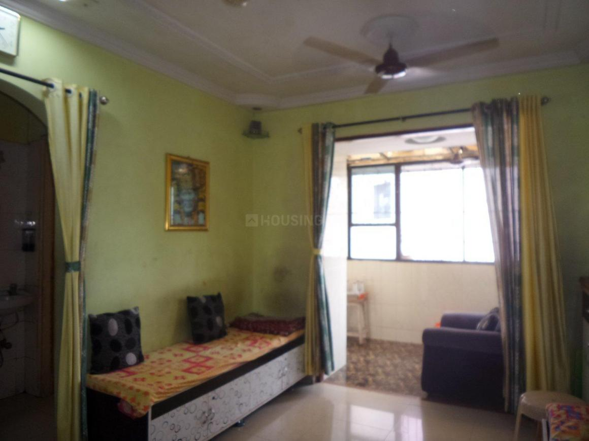Living Room Image of 840 Sq.ft 2 BHK Apartment for buy in Thane West for 9000000