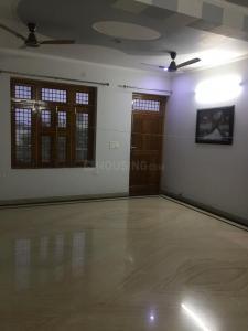 Gallery Cover Image of 1000 Sq.ft 2 BHK Independent Floor for rent in Govindpuram for 12000