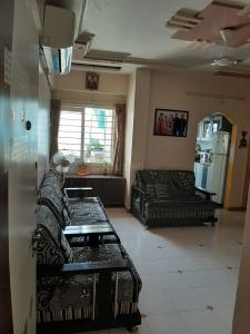 Gallery Cover Image of 1215 Sq.ft 3 BHK Apartment for buy in Sun Suryoday 2, Ghatlodiya for 5400000