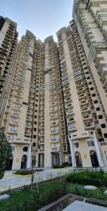 Gallery Cover Image of 1020 Sq.ft 2 BHK Apartment for buy in Supertech The Romano, Sector 118 for 4300000