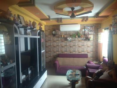 Gallery Cover Image of 1065 Sq.ft 3 BHK Apartment for rent in Maheshtala for 20000