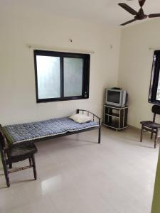 Gallery Cover Image of 700 Sq.ft 1 BHK Apartment for rent in The Tulips, Kalyani Nagar for 20000