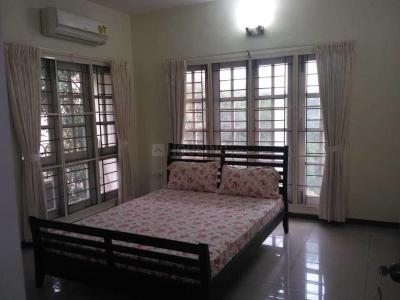 Gallery Cover Image of 2400 Sq.ft 3 BHK Apartment for rent in Thiruvanmiyur for 80000