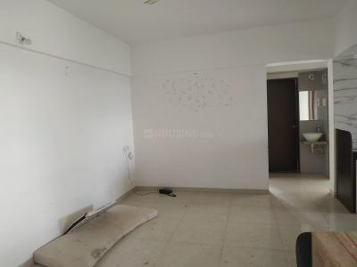 Gallery Cover Image of 987 Sq.ft 2 BHK Apartment for rent in Hadapsar for 16000