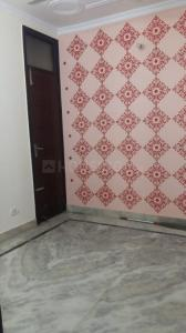 Gallery Cover Image of 400 Sq.ft 1 BHK Independent Floor for rent in Govindpuri for 12000