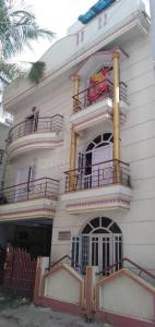 Gallery Cover Image of 1400 Sq.ft 3 BHK Apartment for rent in HAL for 25000