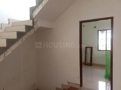 Gallery Cover Image of 1850 Sq.ft 3 BHK Villa for rent in Selaiyur for 20000
