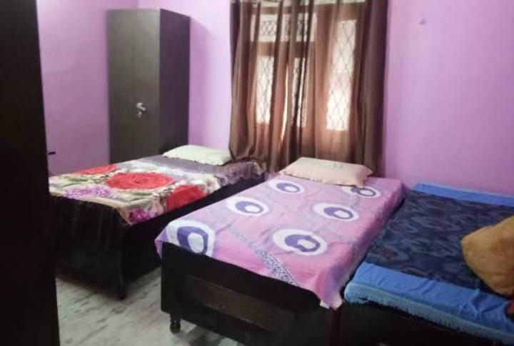 Bedroom Image of PG 4040425 Malviya Nagar in Malviya Nagar