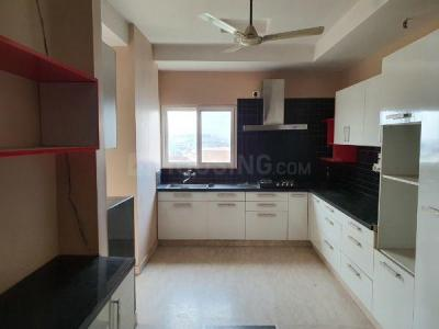 Gallery Cover Image of 3250 Sq.ft 5 BHK Apartment for rent in Mahagun Maple, Sector 50 for 60000