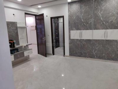 Gallery Cover Image of 2500 Sq.ft 3 BHK Apartment for rent in CGHS Chitrakoot Dham, Sector 19 Dwarka for 70000
