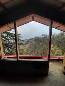 Gallery Cover Image of 1100 Sq.ft 3 BHK Independent Floor for buy in Chotta Shimla for 8100000