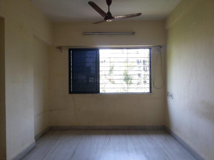 Living Room Image of 650 Sq.ft 1 BHK Apartment for rent in Sumati Niwas, Dahisar West for 19000