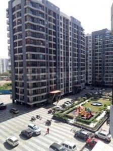 Gallery Cover Image of 1000 Sq.ft 2 BHK Apartment for buy in Leena Bhairav Residency, Mira Road East for 9500000