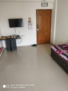 Gallery Cover Image of 1200 Sq.ft 3 BHK Apartment for buy in Mirambica Aditya Parivesh, Chandlodia for 5200000