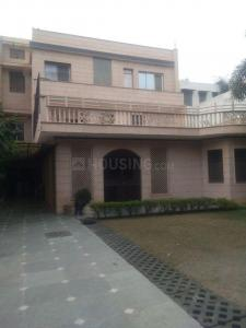 Gallery Cover Image of 9000 Sq.ft 6 BHK Independent House for rent in Sector 51 for 60000