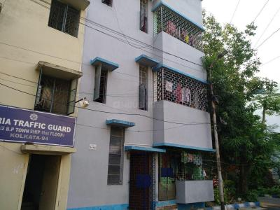 Gallery Cover Image of 630 Sq.ft 2 BHK Independent Floor for rent in Baishnabghata Patuli Township for 8000