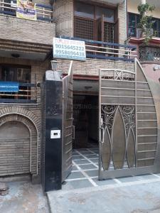 Building Image of Karan PG in Sector 12