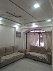 Gallery Cover Image of 750 Sq.ft 2 BHK Apartment for rent in Dadar East for 50000