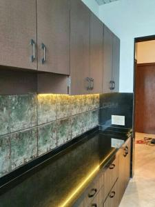 Gallery Cover Image of 3000 Sq.ft 4 BHK Apartment for rent in Malabar Hill for 250000