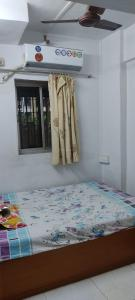 Gallery Cover Image of 350 Sq.ft 1 BHK Apartment for buy in Kaustubh Usha Colony CHS, Malad West for 7200000