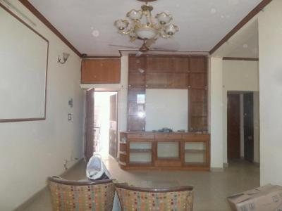 Gallery Cover Image of 1450 Sq.ft 3 BHK Apartment for rent in Jasola Vihar for 32000
